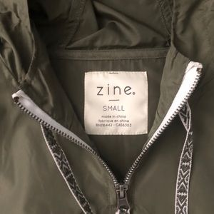 Zumiez Jackets & Coats - Zine windbreaker 💨